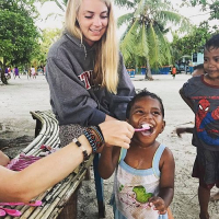 Volunteers Help To Provide The Raja Ampat Kids With Shining Smiles!
