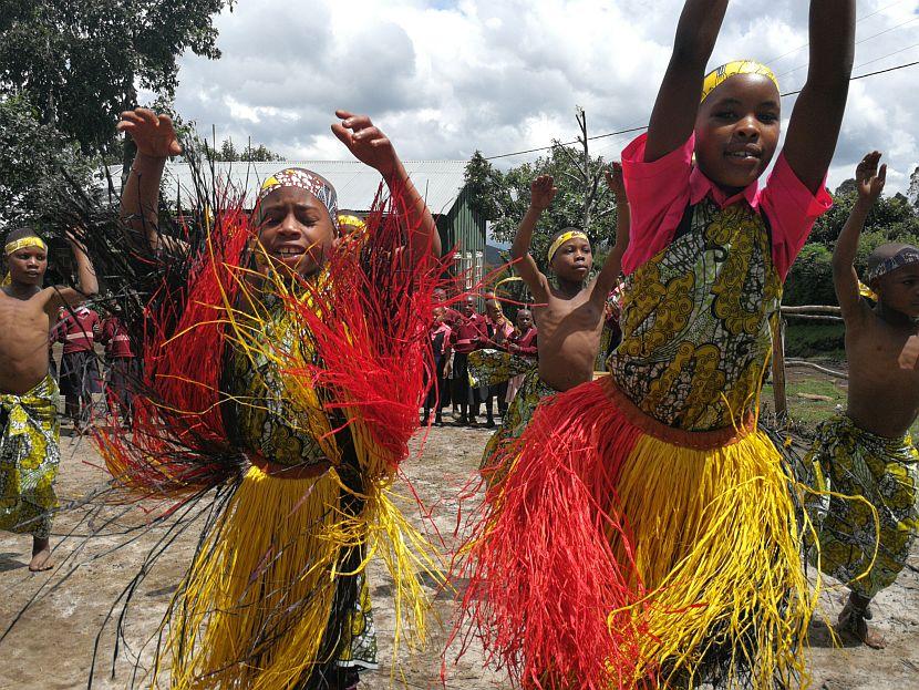 Ugandan children dancing