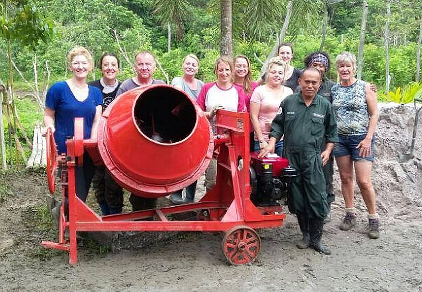 Volunteer rainforest fundraiser