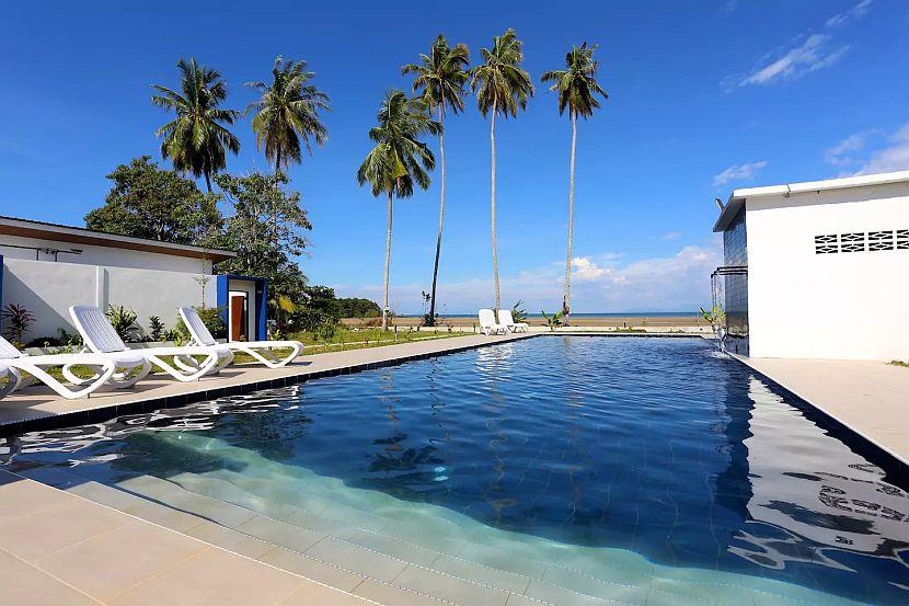 Lundu Beach Resort